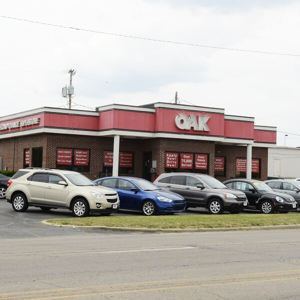 Used cars for sale in muncie indiana oak motors for Used car motors for sale